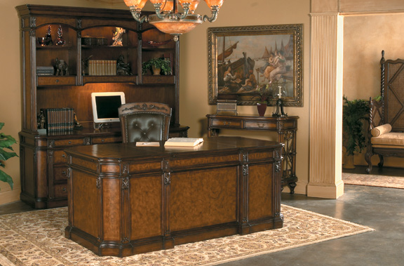 The Weston Executive Desk Is Designed With Rich Mahogany Wood And Leather Embossed Top It S Truly A Luxurious Masterpiece Stylized Columns Not
