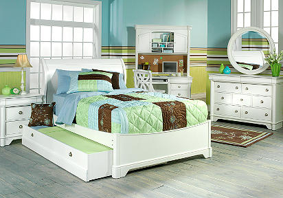 Oberon White Full Sleigh Bedroom
