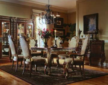 Royale Leg Dining Room Furniture Set