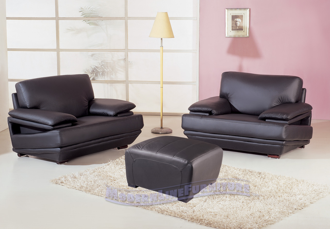 black leather living room set 300x208 black leather living room set