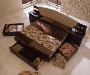modern platform bed Modern Italian Platform Bed