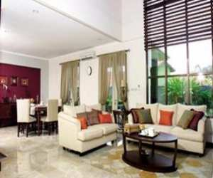 family room and diningroom without constrictor Family Room and Dining Room without Constrictor