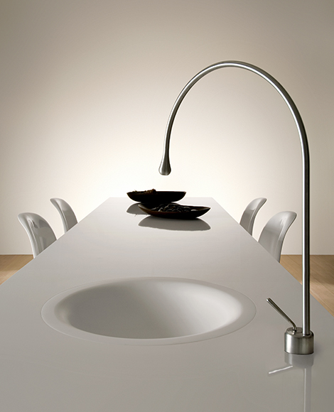 Goccia As Water Source On The Dining Table