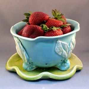 Handmade Decor Items Bowl for Berries