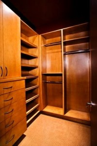 629 200x300 Advantages of Compartment Closets