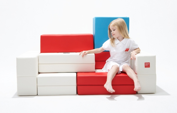"""Smart"" Children's Sofa PS30: Designskin Launches IQ Puzzle Sofa"
