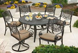 garden furniture Garden Furniture: Types and Advantages
